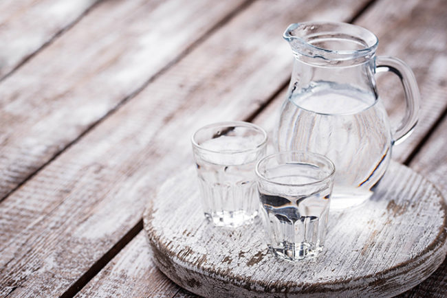 how much water should a person drink in a day to lose weight-Tips for smart eating